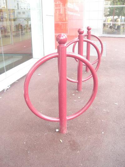 Support vélo acier avec boule